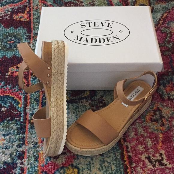 db21a0c889f Size 7 Steve Madden Chiara sandals NWT